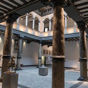 Precioso Palacio de los Condes de Argillo, dedicado a la obra del gran escultor Pablo Gargallo. ? ? ?? Gracias @turoljones por su preciosa foto y por etiquetarnos. Os invitamos a visitar su galería. ? ? ? ?? Síguenos y etiqueta tus fotos con el hashtag @MirAragon . . . · ? ? ? ?? Zaragoza ? ?  #aragon  #Zaragoza  #miraragon  #Aragón  #España  #casabiescas  #architecture #viaje #travel #trip #palace  #town #pablogargallo #building  #ruraltop  #invierno #winter  #tourism  #europe  #photography  #hike #naturaleza  #instagood #nature  #streetphotography  #sculpture #walk  #spain  #capture
