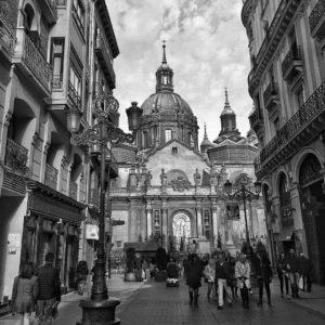 Una de las calles más emblemáticas de Zaragoza. ? ? ?? Gracias @loligf68 por su preciosa foto y por etiquetarnos. Os invitamos a visitar su galería. ? ? ? ?? Síguenos y etiqueta tus fotos con el hashtag @MirAragon . . . · ? ? ? ?? Zaragoza ? ?  #aragon  #Zaragoza  #miraragon  #Aragón  #España  #casabiescas  #architecture #viaje #travel #trip #street  #town #pilar #building  #ruraltop  #invierno #winter  #tourism  #europe  #photography  #hike #naturaleza  #instagood #nature  #streetphotography  #sculpture #walk  #spain  #capture