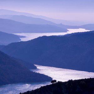 Pantano de el Grado. ? ? ? ??: Gracias @joseluisresa por tus preciosas fotos y por #repost . Os invitamos a visitar su galería. ? ? ? ?? Síguenos y etiqueta tus fotos con el hashtag @MirAragon . . . · ? ? ? ?? Aragòn. ? ? ? #Aragón  #MirAragon  #Huesca #Zaragoza #Teruel  #mountains  #naturaleza  #nature  #travel #autumn  #adventure  #casabiescas  #aragon #ruraltop  #spain  #montaña  #tarazona  #turismoaragon  #conociendoespaña  #world_spain #landcape_photography #photography #travelphotography  #pantanodeelgrado #elgrado #torreciudad #santuariodetorreciudad